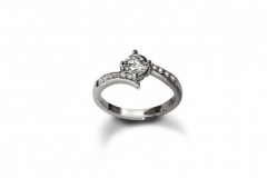diamond-twisted-pave-engagement-ring