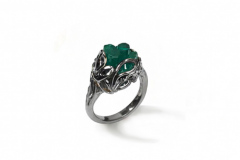 rough-emerald-white-gold-ring